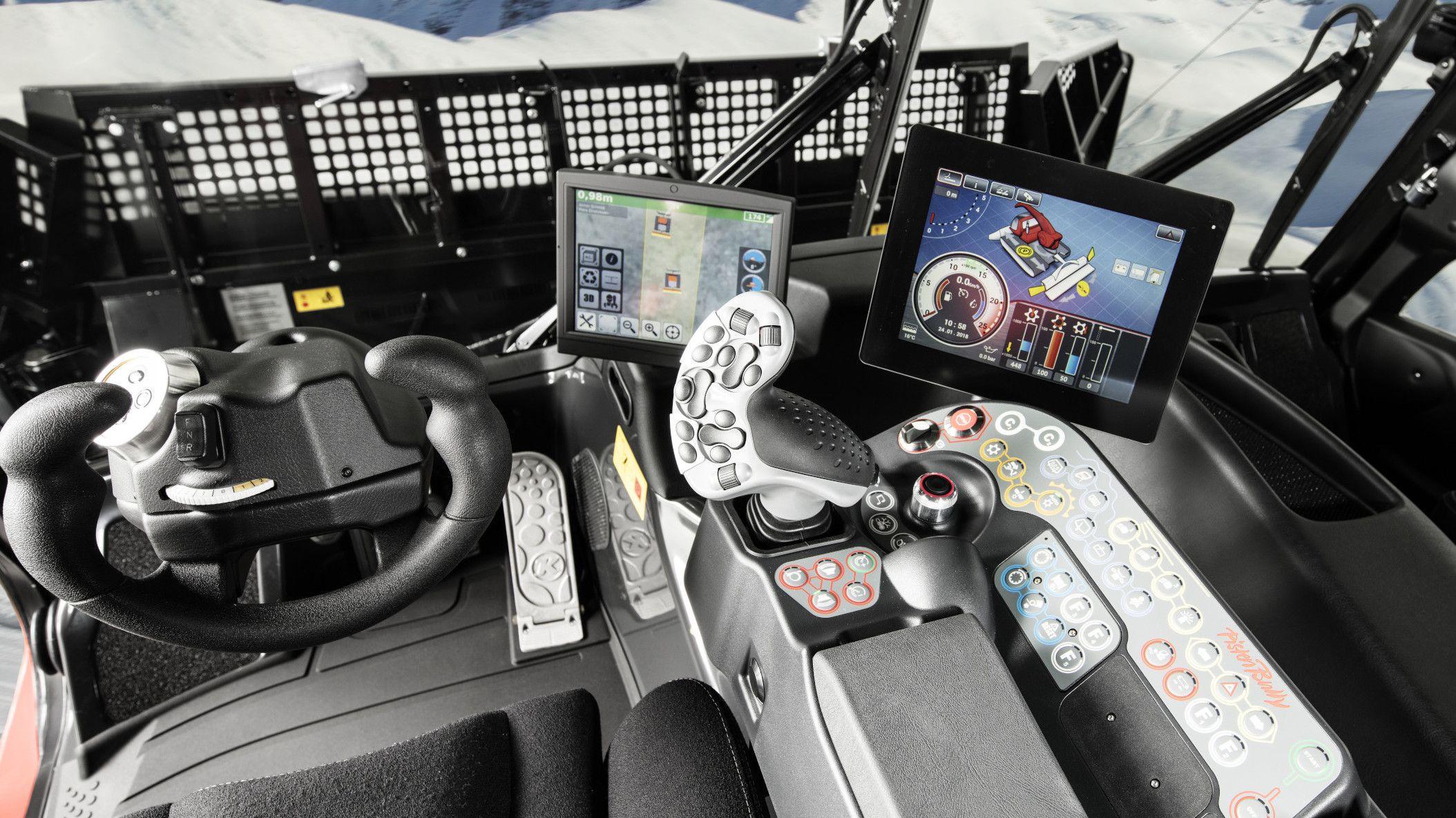 Das innovative Cockpit des PistenBully 600 Polar.